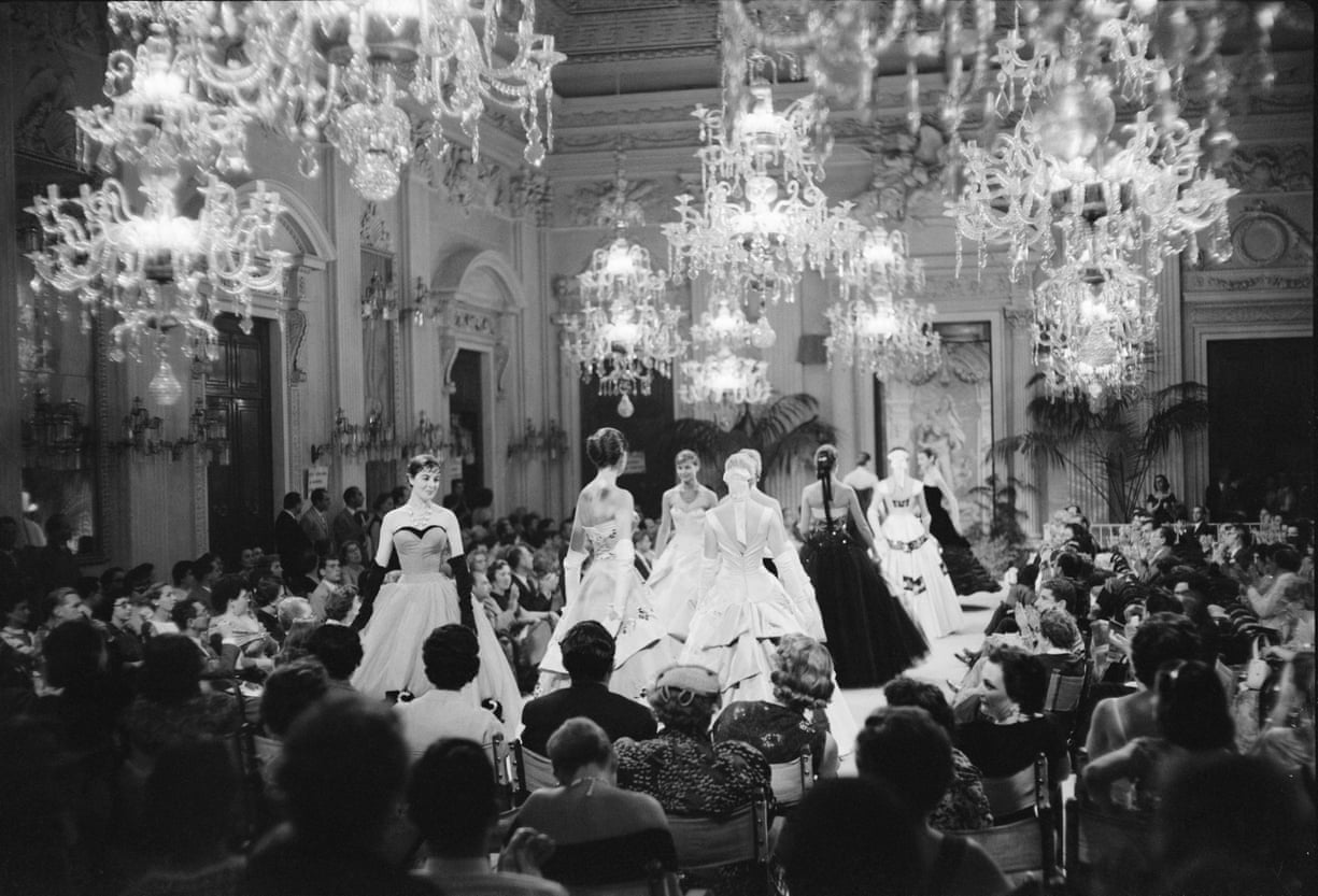 A Brief History Of The Fashion Week: Evolution Of The Parade